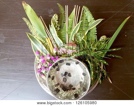 Thai Flowers And Water With Som Poi (acacia Concinna) Water In Tray With Pedestal On Wood Table (use