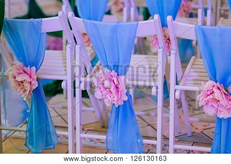Beautiful flower decor at the wedding reception