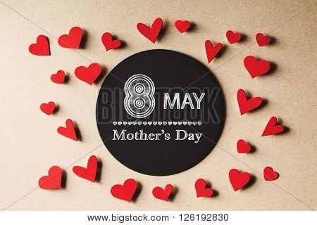 8 May Mothers Day  Message With Small Hearts