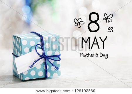 8 May Mothers Day Message With Gift Box