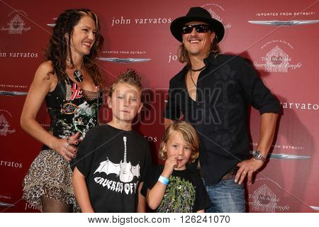 LAS VEGAS - APR 17:  Fuel band memeber and family at the John Varvatos 13th Annual Stuart House Benefit at the John Varvatos Store on April 17, 2016 in West Hollywood, CA