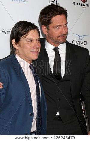 LAS VEGAS - APR 16:  Alan Siegel, Gerard Butler at the A Gala To Honor Avi Lerner And Millennium Films at the Beverly Hills Hotel on April 16, 2016 in Beverly Hills, CA