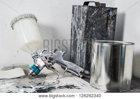Auto body repair series : Sprayer and paint bucket