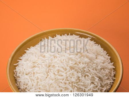 cooked white rice in a bowl, plain basmati rice, cooked basmati rice, plain rice in ceramic bowl