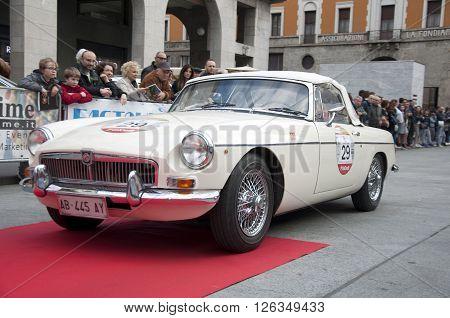 BRESCIA, ITALY - APRILE 17, 2016:500 Miglia. Finish. MG MGB, 1973 buil