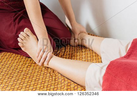 Massage series : Thai foot and leg massage