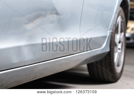 Auto body repair series : Dented car door