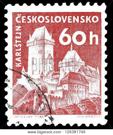 CZECHOSLOVAKIA - CIRCA 1960 : Cancelled postage stamp printed by Czechoslovakia, that shows Karlstein castle.