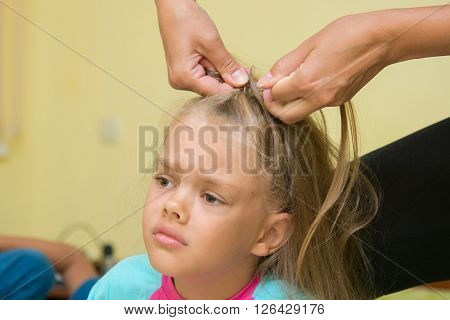 Girl Hurt When Her Long Hair Braided