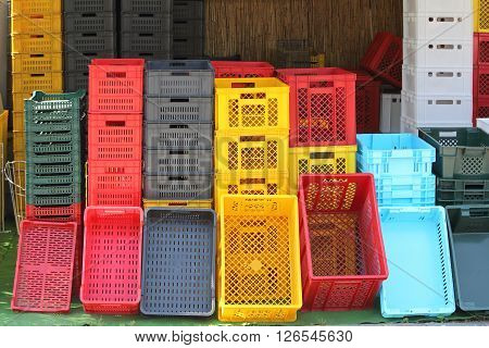 Colourful Plastic Crates and Boxes For Agriculture Products