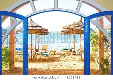 Portal to a marvelous beach
