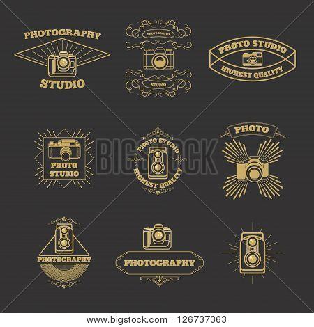Set of vintage photo studio labels and emblems. Photo camera icons. Photo studio emblems. Vector design elements.