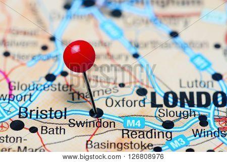 Swindon pinned on a map of UK