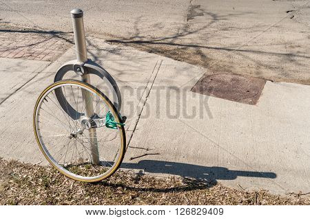 Bike theft with locked wheel in Ottawa Canada