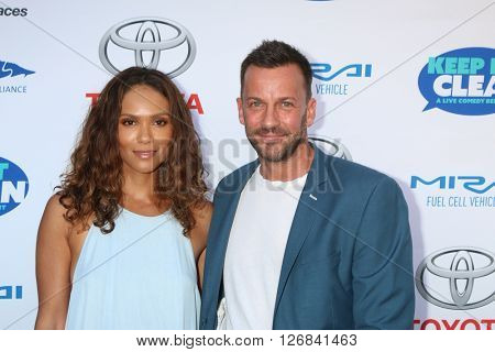 LAS VEGAS - APR 21:  Lesley-Ann Brandt, Craig Parker at the Keep It Clean Comedy Benefit For Waterkeeper at the Avalon Hollywood on April 21, 2016 in Los Angeles, CA