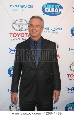 LAS VEGAS - APR 21:  Bobby Kennedy Jr., Robert Kennedy Jr. at the Keep It Clean Comedy Benefit For Waterkeeper at the Avalon Hollywood on April 21, 2016 in Los Angeles, CA