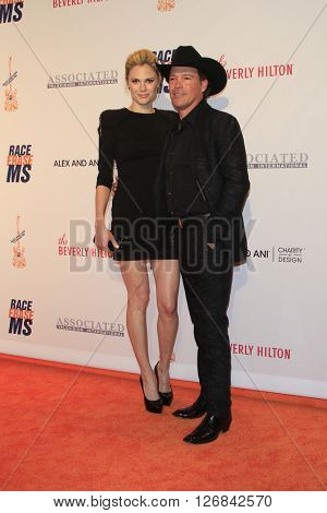LAS VEGAS - APR 15:  Jessica Criag, Clay Walker at the  23rd Annual Race To Erase MS Gala at the Beverly Hilton Hotel on April 15, 2016 in Beverly Hills, CA