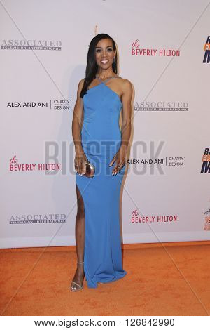 LAS VEGAS - APR 15:  Shaun Robinson at the  23rd Annual Race To Erase MS Gala at the Beverly Hilton Hotel on April 15, 2016 in Beverly Hills, CA