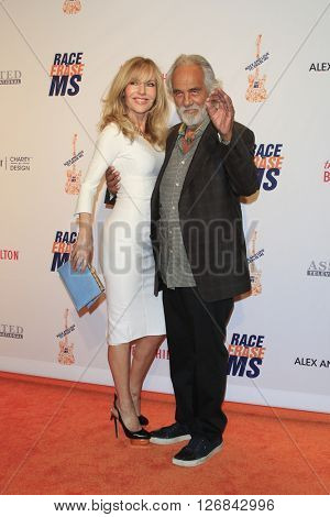 LAS VEGAS - APR 15:  Shelby Chong, Tommy Chong at the  23rd Annual Race To Erase MS Gala at the Beverly Hilton Hotel on April 15, 2016 in Beverly Hills, CA