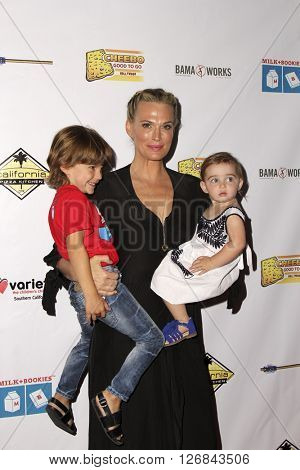 LAS VEGAS - APR 17:  Brooks Alan Stuber, Molly Sims, Scarlett May Stuber at the Milk + Bookies Story Time Celebration at the California Market Center on April 17, 2016 in Los Angeles, CA