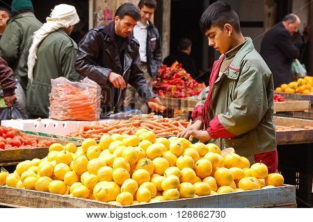 12 february 2007-aleppo-sirya-Fruit market in the city of Aleppo