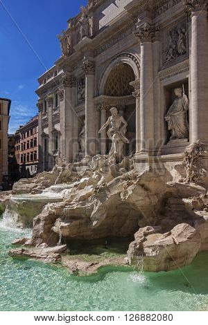 Panoramic view of Trevi's fountain - Roma, Italy