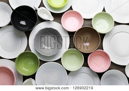Colorful empty dishes, close up