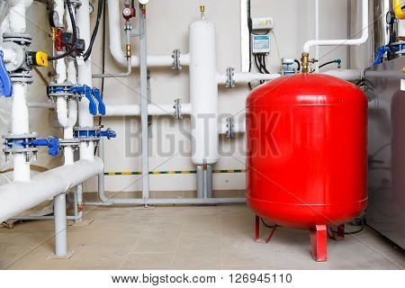industrial red expansion tank for heating system