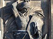 Постер, плакат: Каменная фигурка Зигфрид