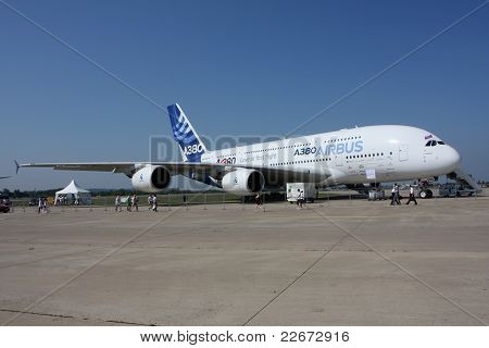 Airliner Airbus A-380.