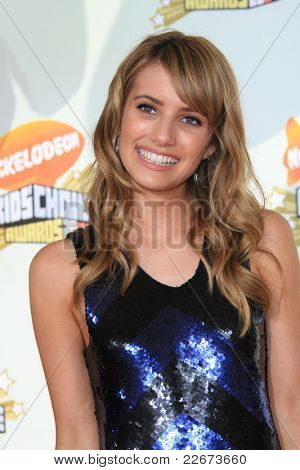 LOS ANGELES - MAR 31: Emma Roberts at the 2007 Kids' Choice Awards at UCLA in Los Angeles, California on March 31, 2007