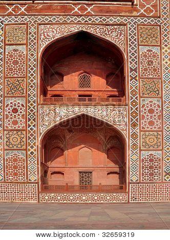 Exquisite Design of Akbar's Tomb