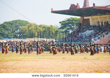 Audience Surin Dancers Field