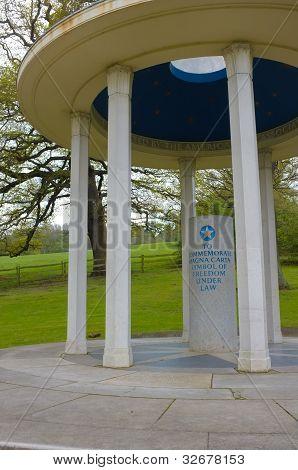 Carta Magna Memorial