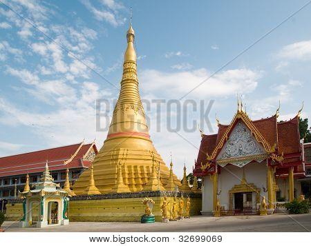 Wat Chumpon Khiri In Mae Sot, Thailand