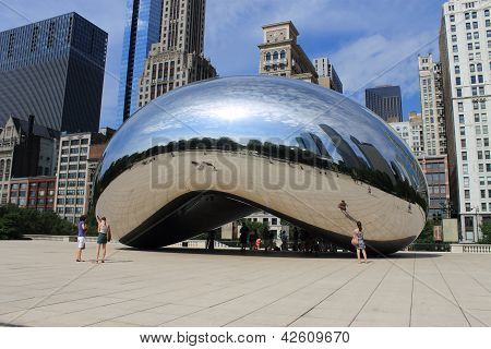 Chicago Bean Cloud Gate In Millennium Park