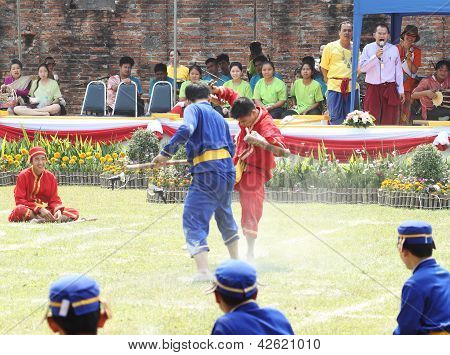 Lopburi, Thailand - Feb 16: Siamese Soldiers Fight One On One Show At The King Narai Reign Fair