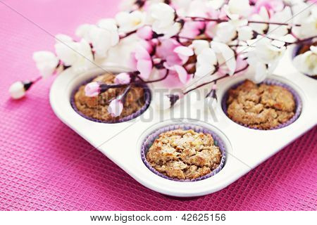 delicious apple muffins with cinnamon and almonds - sweet food /shallow DOFF/