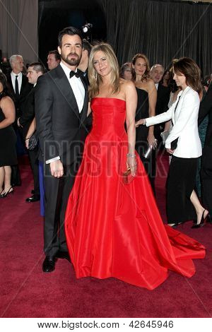 LOS ANGELES - FEB 24:  Justin Theroux, Jennifer Aniston arrive at the 85th Academy Awards presenting the Oscars at the Dolby Theater on February 24, 2013 in Los Angeles, CA