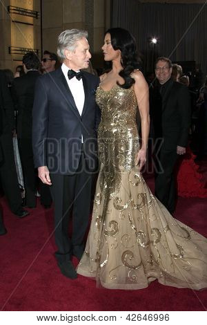 LOS ANGELES - FEB 24:  Michael Douglas, Catherine Zeta-Jones arrive at the 85th Academy Awards presenting the Oscars at the Dolby Theater on February 24, 2013 in Los Angeles, CA
