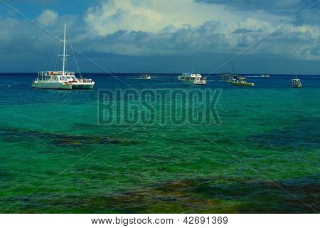 Caribbean Snorkelling Boats