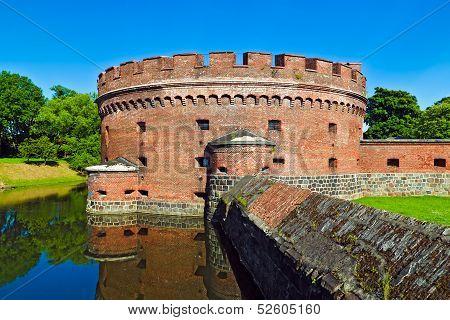 Defensive Tower Dona (german: