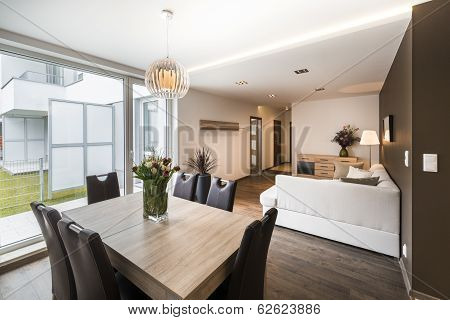 Luxurious Living Room With Dinning Table