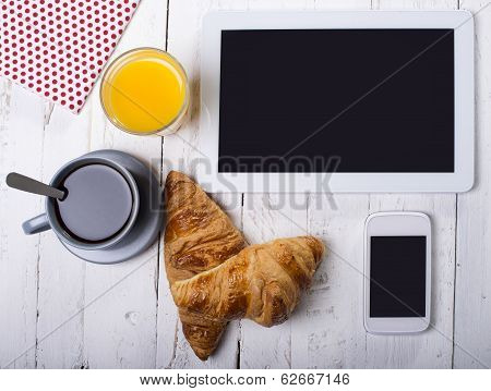 Breakfast And Computer