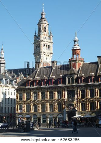 Market square in Lille with Chamber of Commerce in the background