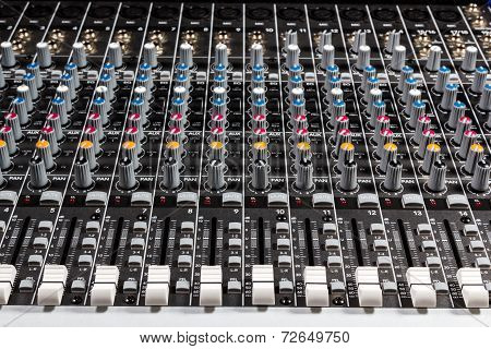 Sound board mixer