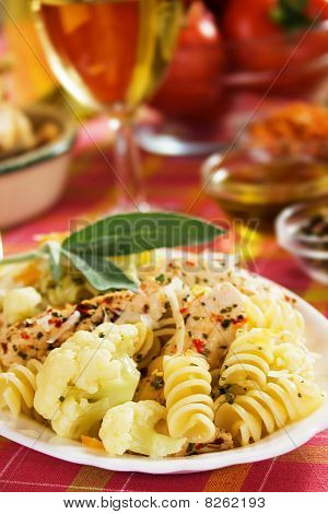 Pasta With Cauliflower And Chicken Meat