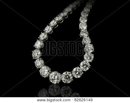 Round diamonds collier close up