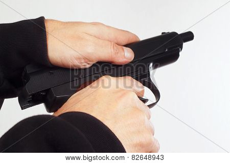 Hands reload semi-automatic handgun
