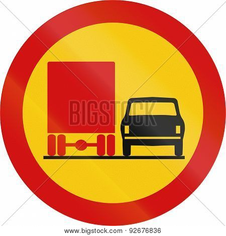 No Overtaking By Lorries In Iceland